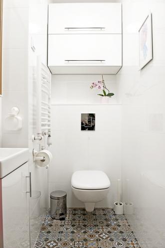 http://martabogdanska.com/files/gimgs/th-33_restroom 1.jpg