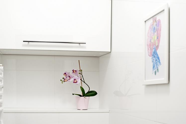 http://martabogdanska.com/files/gimgs/th-33_restroom 2.jpg