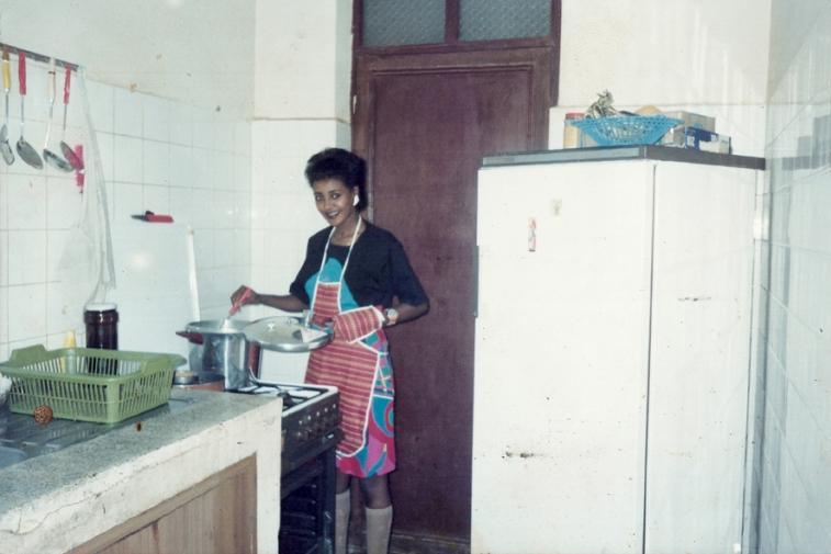 http://martabogdanska.com/files/gimgs/th-23_Butary mother posing .jpg