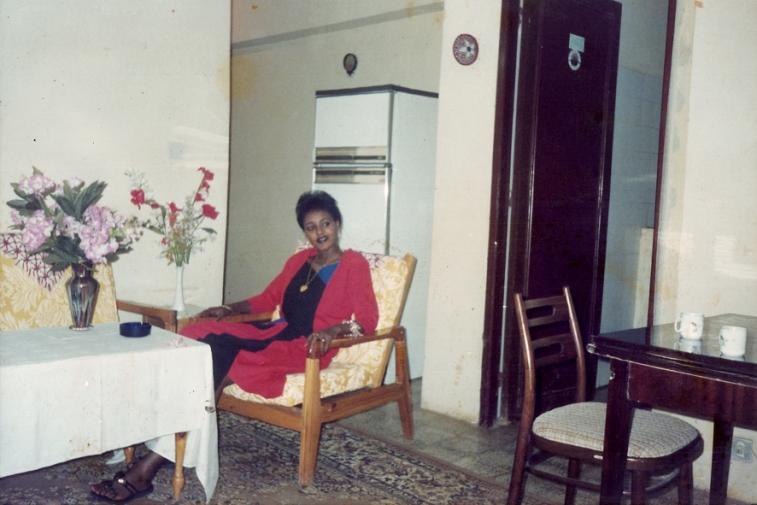 http://martabogdanska.com/files/gimgs/th-23_Butary mother posing 17.jpg